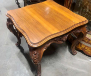 Кофейный столик в стиле барокко