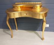 Дамский стол в стиле барокко