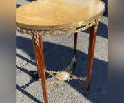 Стол в стиле Людовика XVI