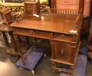 Письменный стол в стиле ренессанс