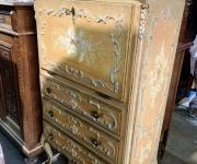 Шкафчик в стиле венецианского барокко