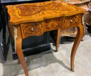 Столик консольный в стиле Людовика XV