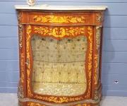 Тумба-витрина в стиле Людовика XIV