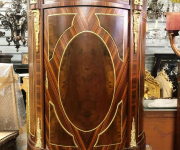Тумба в стиле Людовика XVI