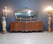 Комод с зеркалом в стиле барокко