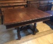 Обеденный стол в бретонском стиле