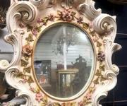 Настенное зеркало в стиле барокко