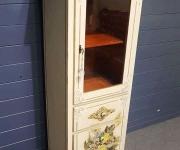 Шкафчик в стиле барокко